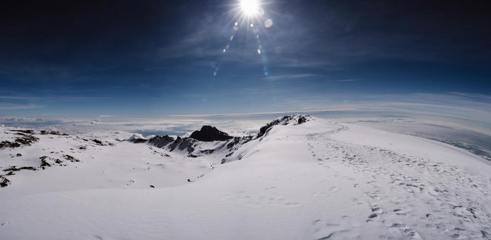 Ascension ruta marangu en Kilimanjaro