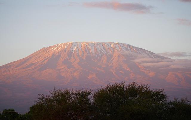 Cuanto cuesta subir el monte kilimanjaro