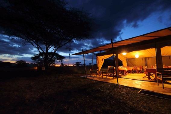 alojamiento tented camp tanzania rio mara