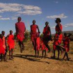 Tribu Massai bailando